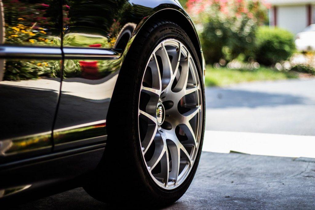 car tire, car hubcap, auto tire